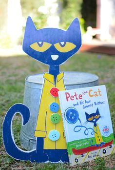 Make Pete the Cat and His Four Groovy Buttons - Literacy Activity for Preschoolers Preschool Literacy, Preschool Books, Literacy Activities, Activities For Kids, Early Literacy, Preschool Education, Kindergarten Reading, Educational Activities, Preschool Ideas