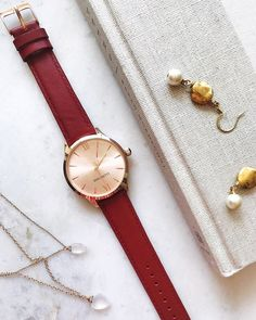 Burgundy and rose gold..the colour combo everyone needs in their life. This season, next season and every season 😍 $139 on our website + free shipping. Link in bio or tap to shop! #bergandbetts #mindfulcollection ⠀ Colour Combo, Color, Fall 2018, Burgundy, Rose Gold, Seasons, Free Shipping, Watches, Website