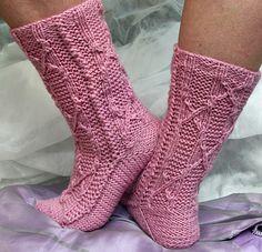 Knitty Cindarella Socks: Free Pattern