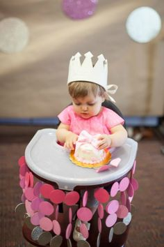 Super cute way to decorate the #birthday #throne for your kiddo's party.
