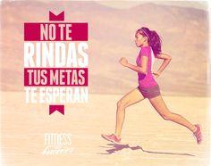 No te rindas, tus metas te esperan. Fitness en femenino. Weight Loss Motivation, Fitness Inspiration, Gto, Healthy, Quotes, Shape, Feminine, Gym Memes, The Body