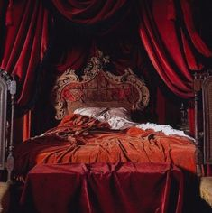 Image shared by Dani. Find images and videos about red, bed and bedroom on We Heart It - the app to get lost in what you love. Red Aesthetic, Character Aesthetic, Aesthetic Vintage, Olgierd Von Everec, Vampires, Great Comet Of 1812, Harry Potter Aesthetic, Hogwarts Houses, Beauty And The Beast