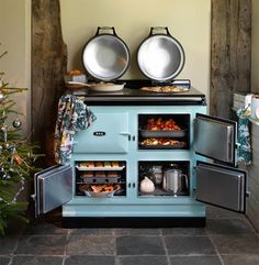 A frequent question we get asked in our showrooms is how an AGA range works. Learn more about this unique and stunning piece of kitchen equipment that is popular in many European homes.