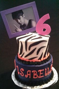 Justin Bieber Cake I want to have this for my 13th birthday but purple and blue!