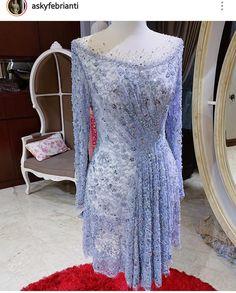 17 Trendy Dress Hijab Party Batik Information tips and photos of various clothes to Kebaya Lace, Batik Kebaya, Kebaya Dress, Batik Dress, Vera Kebaya, Kebaya Modern Hijab, Model Kebaya Modern, Kebaya Hijab, Model Kebaya Muslim