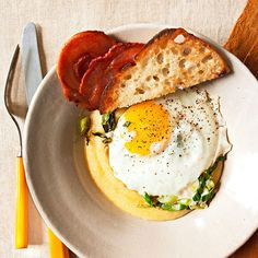 Eggs with Polenta & Pancetta | Find more 15 Fast Italian recipes here: http://www.rachaelraymag.com/recipes/fast-recipes/fast-recipe/yum-15-italian-fast-ideas/