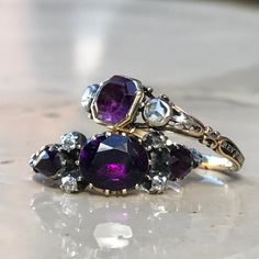 Typical day in the neighbourhood... #showmeyourrings #mourningring #amethystring #antiquejewelry #georgian