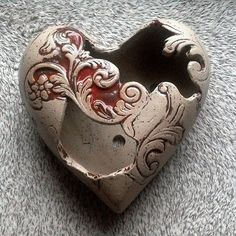 Discover recipes, home ideas, style inspiration and other ideas to try. Pottery World, Leaf Texture, Clay Bowl, Funky Art, Slab Pottery, Pottery Designs, Pottery Making, Ceramic Clay, Diy Clay