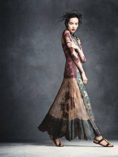 """Fei Fei Sun in """"The Art of Fashion"""" by Andreas... - La Trahison des Images"""