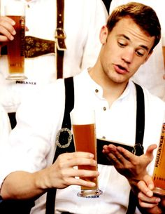 """May I interest you in our newest product?"" Manu+ beer + lederhosen."