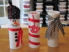 Decorate Pringles cans to make cute Christmas cookie containers