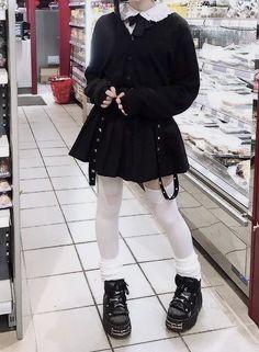 Mode Harajuku, Harajuku Fashion, Kawaii Fashion, Harajuku Girls, Aesthetic Grunge Outfit, Aesthetic Fashion, Aesthetic Clothes, Goth Aesthetic, Adrette Outfits
