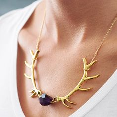 Embrace the call of the wild with this super cute, semi precious gemstone and deer antler necklace. £16.80