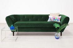 Canapea 3 locuri Etna Emerald Green #sofa #green #natureinspiration #homedecor Emerald Green, Minimalism, Couch, Living Room, Green Sofa, Furniture, Design, Home Decor, Settee