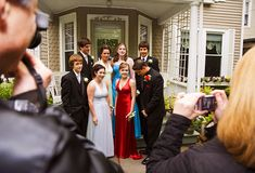 Slideshow: prom stress -- real life guide to prom dates, dresses Group Pictures, Friend Pictures, Picture Poses, Picture Video, Prom Date, Prom Poses, Life Guide, Exercise For Kids, Fitness Tips