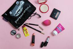 Coulisses #beaute : Dans le vanity #maquillage de Scarlett, Assistante #Communication