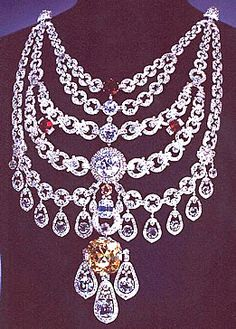 The Patiala necklace made by Cartier in 1928 for a last Indian Maharaja