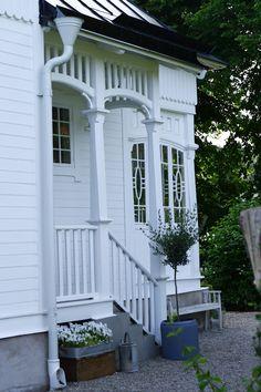 Old white home entrance. Lovely details.