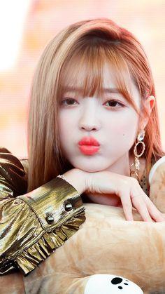 Oh my girl - Yooa Kpop Girl Groups, Korean Girl Groups, Kpop Girls, South Korean Girls, Oh My Girl Yooa, Red Velvet Seulgi, Stylish Girl, Woman Face, My Sunshine