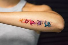 Watercolor Tattoo bunt-geometrisch-wasserfarben old school frases hombres hombres brazo ideas impresionantes japoneses pequeños tattoo Forearm Tattoos, Body Art Tattoos, New Tattoos, Cool Tattoos, Tattoo Arm, Unique Tattoos, Trendy Tattoos, Small Tattoos, Tattoos For Women