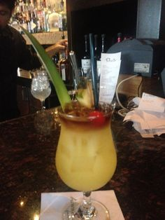 Roy's Mai Tai. Photo: Carole Kuhrt-Brewer http://www.chicagonow.com/show-me-chicago/2015/08/roys-restaurant-the-next-best-thing-to-a-trip-to-hawaii/