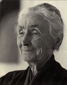 Beautiful photo of Georgia O'Keeffe --she was truly beautiful, even in her old age.