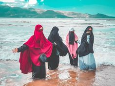 Girly Pictures, Friend Pictures, Alhamdulillah For Everything, Queen Love, Beautiful Muslim Women, Besties, Bestfriends, Girl Photography Poses, Niqab