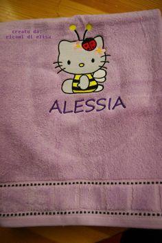 Hello Kitty Bee machine embroidery design