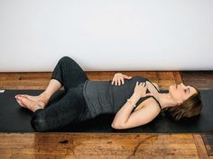 These Hip-Opening Stretches Are the Answer to Your Tight Hips Banish tightness and stiffness in the hips with these yoga poses. Hip Stretching Exercises, Hip Opening Stretches, Hip Flexor Exercises, Hip Opening Yoga, Pilates Reformer Exercises, Yoga Moves, Flexibility Workout, Pilates Yoga, Yoga Workouts