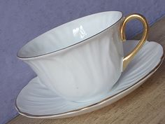 Vintage 1940's Shelley Oleander teacup and saucer, White china teacup, English…