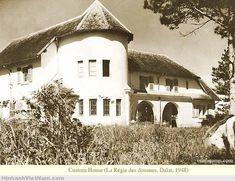 Bộ ảnh quý giá về Đà Lạt thời Pháp thuộc - Hình ảnh Việt Nam xưa & nay Old Town, Mansions, History, House Styles, Souvenir, Old City, Luxury Houses, Historia, Palaces