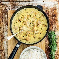 Kyckling i krämig dragonsås. Swedish Recipes, New Recipes, Vegan Recipes, Snack Recipes, Cooking Recipes, Food Porn, Recipe For Mom, Food Inspiration, Love Food