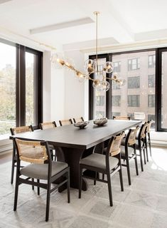 13 Contemporary Dining Room Ideas That Promise to Transport Your Space Into the Farmhouse Dining Room contemporary Dining Ideas Promise Room Space Transport Dining Room Lamps, Luxury Dining Room, Beautiful Dining Rooms, Dining Room Lighting, Dining Room Design, Dining Room Furniture, Modern Dining Room Chairs, Furniture Nyc, Furniture Movers
