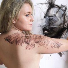Danilo Delfino, sketchy tattoo, crow tattoo, Vogel tattoo, bird tattoo, wings, Flügel tattoo, tattoo Idee, tattoo idea, tattoo vienna, tattoo Wien, tattoo Frauen, tattooed girls, tattoo women