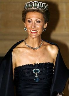 Princess Sibilla of Luxembourg is wearing a tiara of diamonds and aquamarines which comes from his grandmother Infanta Beatriz of Spain, Princess Torlonia.