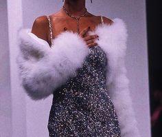 #mood #aesthetic #fur #diamond #sultry #glam #boujee #miaxbellax #dress #furcoat #coat #necklace #earrings @miaxbellax