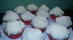 Raffaelo Cupcake Muffins, Cupcakes, Breakfast, Food, Backen, Morning Coffee, Meal, Cupcake, Essen