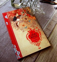 Le Carnet Rouge, illustrated beautifully by Agata Kawa. Oh, why can't I read French?