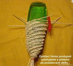 Straw Weaving, Bamboo Weaving, Paper Weaving, Basket Weaving, Newspaper Basket, Newspaper Crafts, Corn Husk Crafts, Straw Art, Wire Art Sculpture