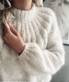 Mohair Cardigan, Pullover Pink, Knit Fashion, Sweater Weather, Knit Patterns, Pulls, Autumn Winter Fashion, Hand Knitting, Knitwear