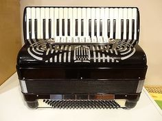 ACCORDION CARRO 3/5 REED SINGLE TONE CHAMBER NEW CONDITION - http://musical-instruments.goshoppins.com/accordion-concertina/accordion-carro-35-reed-single-tone-chamber-new-condition/
