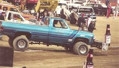 Truck Pull Lifted Chevy, Lifted Trucks, Chevy Trucks, Truck And Tractor Pull, Tractor Pulling, New Trucks, Cool Trucks, Full Pull, Truck Pulls