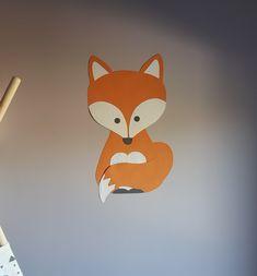 Muursticker van een oranje met witte vos. Prachtige behangdieren voor de babykamer en kinderkamer. Kids Room, Snoopy, Posters, Fictional Characters, Art, Seeds, Art Background, Room Kids, Kidsroom