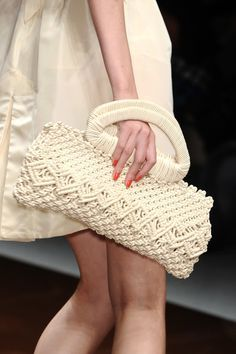 Whatever you want — Love Sex Money Spring 2011 Details Crochet Clutch Bags, Bag Crochet, Crochet Shell Stitch, Crochet Handbags, Crochet Purses, Love Crochet, Best Leather Wallet, Diy Sac, Macrame Purse