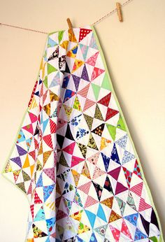 Love the movement! Hourglass Quilt by Fá Giandoso