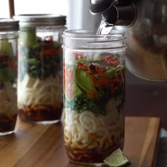 Step up your instant noodle cup game with this flavorful, veggie-packed udon jar.