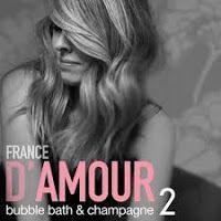 De l'avant...Voici notre bande sonore du prochaine extrait radio de son nouvel opus qui s'intitule Bubble Bath & Champagne, Vol.2, son onzième album studio en carriere. D'AMOUR, France - Un Sou Noir