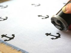 diy stamps and stamp pads! Father's Day DIY: Hand Stamped Handkerchief for Dad Diy Father's Day Gifts, Father's Day Diy, Make Your Own Stamp, Use E Abuse, Fabric Stamping, Stamp Pad, Fathers Day Crafts, Crafty Craft, Crafting