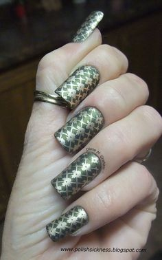Love the #gold #flower #pattern #manicure on Diane Graham's custom-fit #nails! Follow her at http://pinterest.com/simmi5/ and get your own set of beautiful and everlasting custom-fit nails at http://www.customnailsolutions.com/