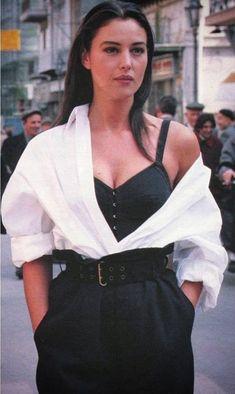 Look Fashion, 90s Fashion, Runway Fashion, Fashion Models, High Fashion, Vintage Fashion, Fashion Outfits, Womens Fashion, Fashion Trends